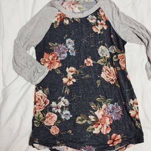 Maternity T-shirt - 3/4 length sleeve - Size Small